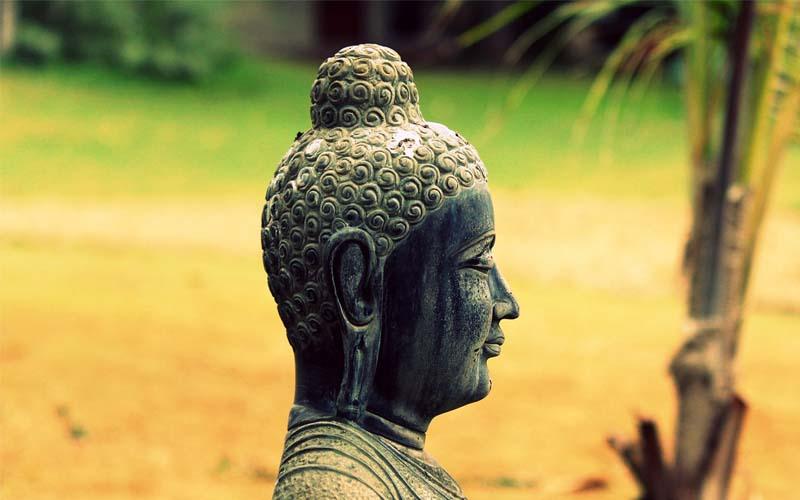angulimal-and-mahatma-buddha-story